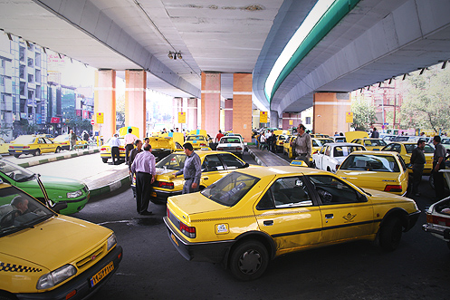 Taxi Station under Seyyed Khandan Bridge