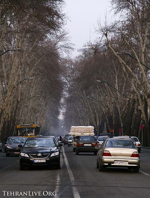 valiasr_street_in_winter